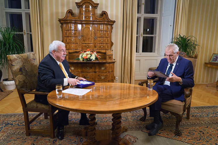 prezident Zeman a redaktor TASS Gusman